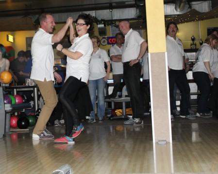 bowling83