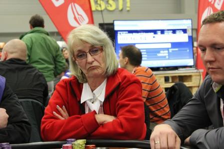poker82