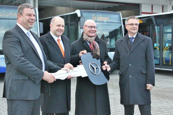 Falkensee, Nauen: Havelbus Verkehrsgesellschaft mbH nimmt zehn neue Busse in Betrieb