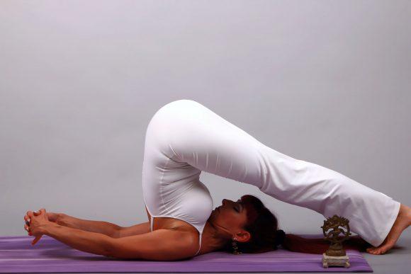 Falkensee: Ofra macht Yoga
