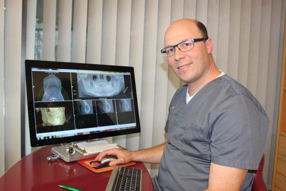 Falkensee: Neuer Kieferchirurg vor Ort – Dr. Dr. Nahles