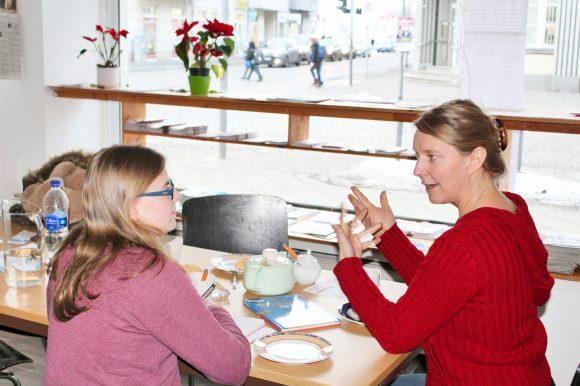Regenbogencafé im Interkulturellen Zentrum – Begegnungsraum in der Bahnhofstraße 80 in Falkensee wird gut angenommen
