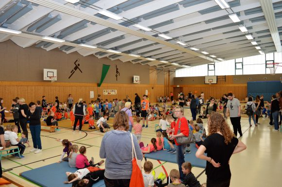 Kita-Olympiade für kleine Turnmäuse in Nauen