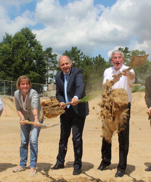 1. Spatenstich am Vicco-von-Bülow-Gymnasium: Neubau einer Zweifeldhalle!