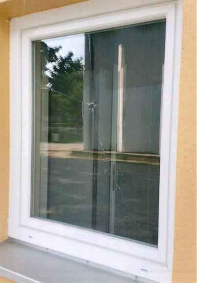 Falkensee: Fensterscheiben an der Oberschule zerstört