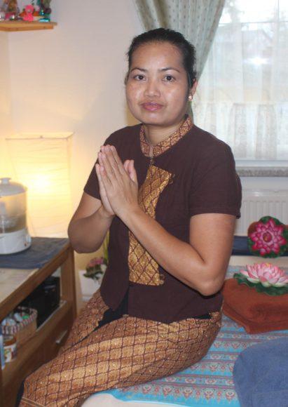 Kräuterstempelmassage bei der Doungjan-Thaimassage in Falkensee