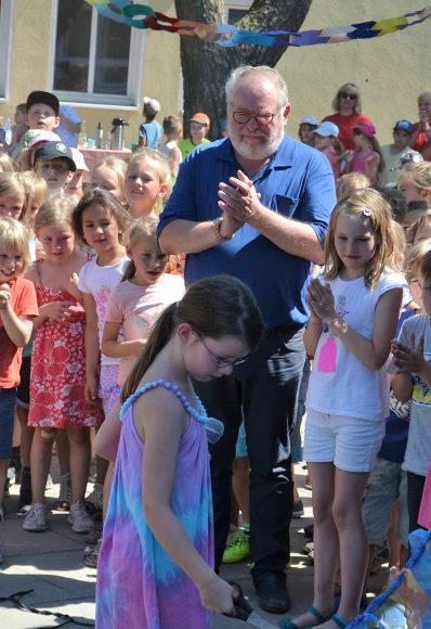 Hort Robinson: Bürgermeister von Brieselang übergibt Neubau an Kinder