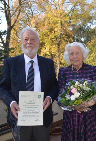 Falkensee: 70 Ehejahre Seite an Seite – Inge und Johannes Schneider feiern Gnadenhochzeit