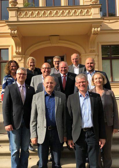 Arbeitstreffen der Verwaltungsspitzen aus dem Havelland und dem Bezirk Spandau auf Schloss Ribbeck