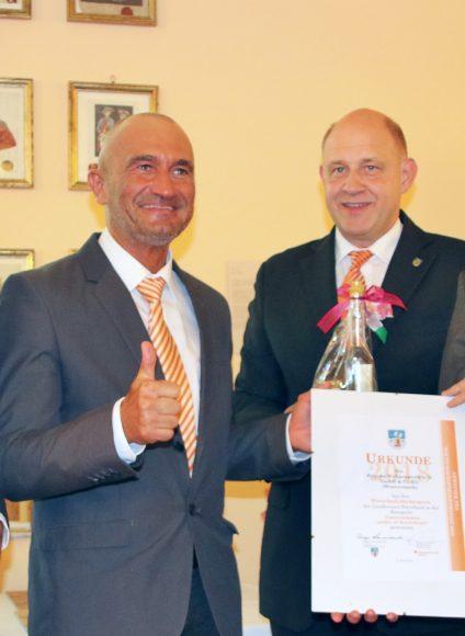 Wirtschaftsförderpreise und Jugendförderpreis wurden im Schloss Ribbeck verliehen