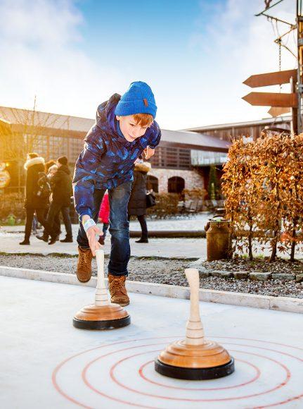 Schlittern, Schlemmen, Spaß haben: Karls startet in Erlebnis-Winter