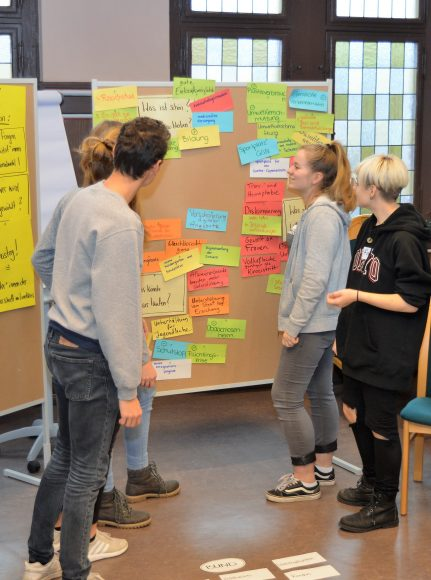 Nauen – Jugendpolitik: Viele Fragen an die Politiker beim KommunalWahlCheck