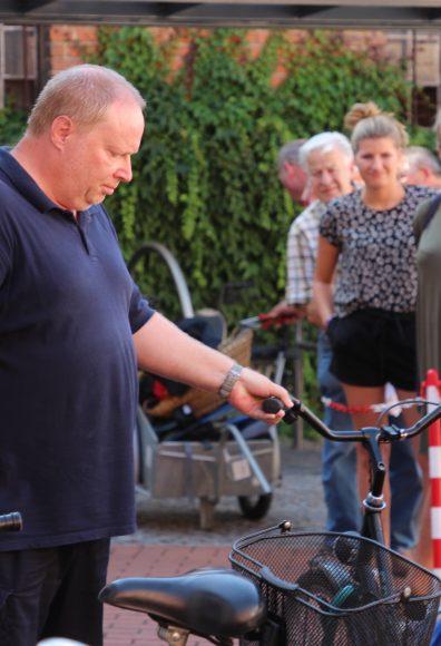 Nauen: Fahrradversteigerung!