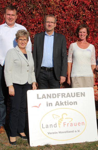 Nauen OT Ribbeck: Bei den Landfrauen