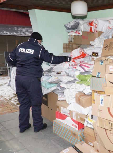 Landkreis Havelland – Versandbote unterschlägt hunderte Pakete und Warensendungen