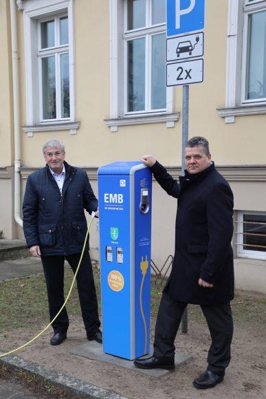 1. öffentliche Elektro-Ladesäule am Rathaus Falkensee