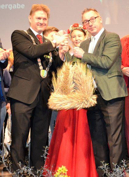 Staffelstabübergabe für 11. Havelländer Erntefest auf der Grünen Woche