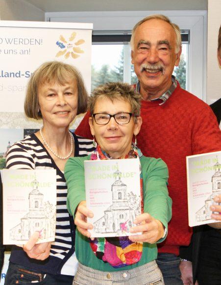 """Schönwalde in Worten: Fünf Autoren schreiben das Buch """"Made in Schönwalde"""""""