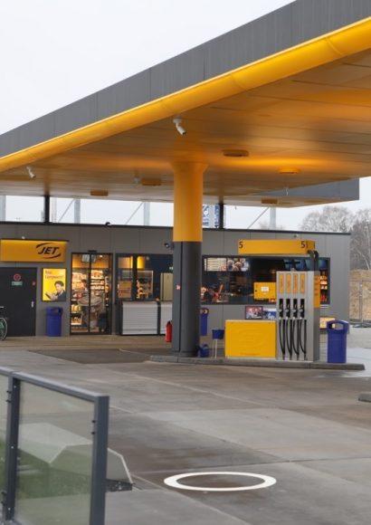 Günstig tanken, bequem einkaufen, lecker snacken JET Tankstelle der neuen Generation in Falkensee