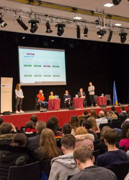VIER AUF EINEN STREICH: Jugendforum Falkensee und Europa-Union Havelland veranstalteten Podiumsdiskussion zur Europawahl
