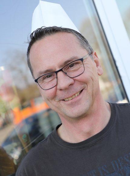 Holger Jagodzinski aus Dallgow stellt neue Eissorte Frieda Frosch vor – zuckerfrei!