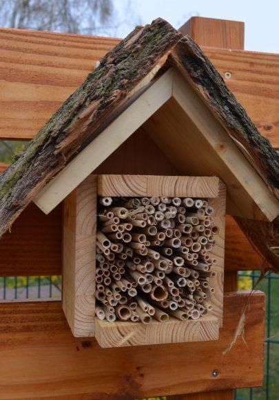 """Ein Wildbienenhotel für den Nachbarschaftsgarten """"Grünes Eck"""" in Nauen"""