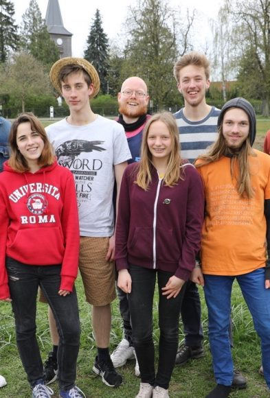 Jugend für I.R.G.E.N.D.W.A.S. drängt in die Falkenseer SVV!