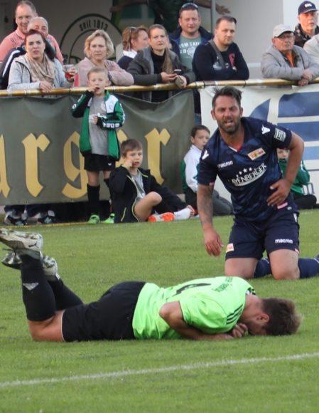 Spiel in den Mai in Falkensee: Union Traditionsmannschaft gegen FF All Star Team!