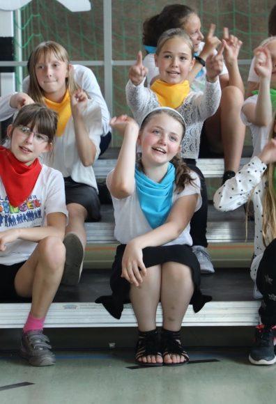 Singende Kinder: Schulkonzert in der Geschwister-Scholl-Grundschule!