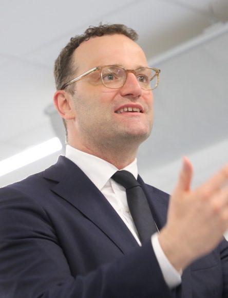 Bundesminister Jens Spahn diskutiert mit den Falkenseer Bürgern: Vertrauen zurückgewinnen!