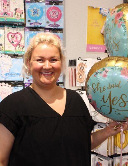 SKRIBO hebt ab: Helium-Ballons lassen sich jetzt in Falkensee kaufen