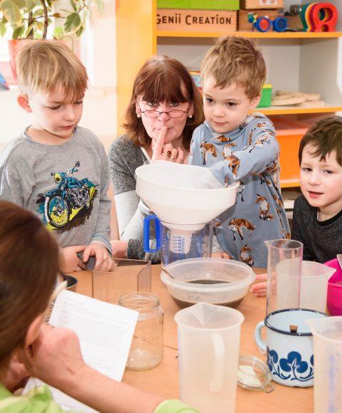 Brieselang: FRÖBEL-Kindergarten Zwergenburg wird Haus der kleinen Forscher