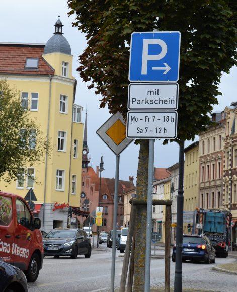 Schulwegsicherung in Nauen: Weiterer Parkscheinautomat aufgestellt