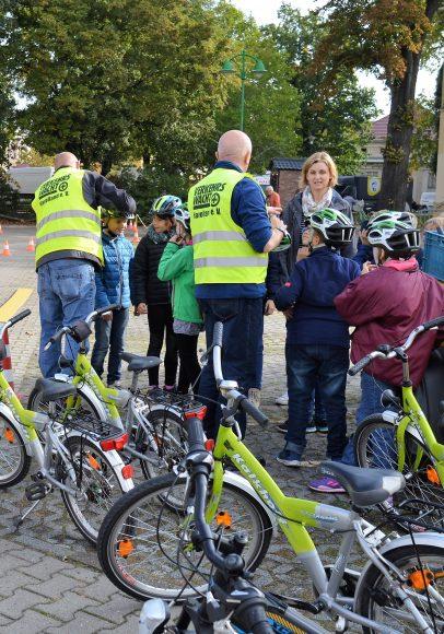 Verkehrssicherheitstag in Nauen – Kindern sicheres Radfahren beibringen