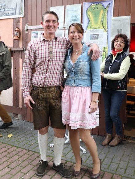 Auf dem Meilerfest in Schönwalde-Glien: Eisbein, Bockbier & Musik für 210 Gäste!