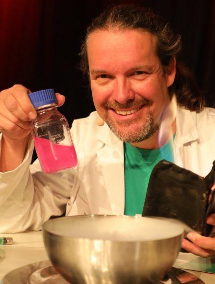 Chemie mal anders: Die CheMagie Show von Oliver Grammel richtet sich an Kinder!