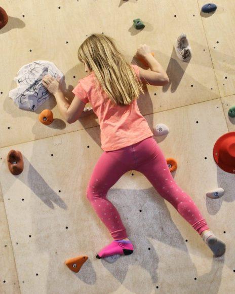 Brieselanger Athleten stellen neue Cross-Athletics-Box vor: Bouldern, Crossfitness & Krafttraining
