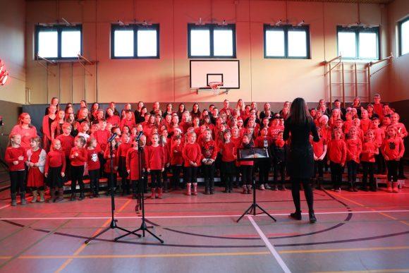 Weihnachtskonzert der Schulchöre in der Falkenseer Geschwister-Scholl-Grundschule