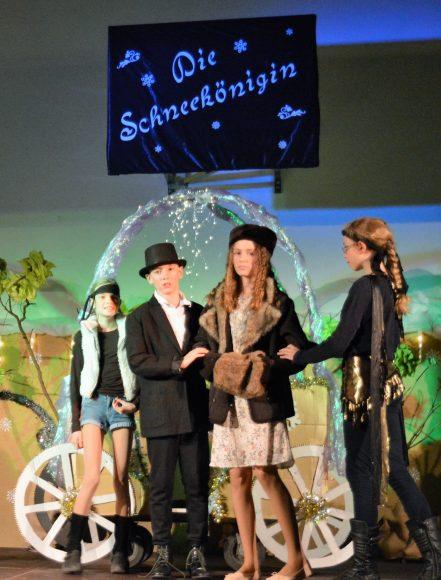 """Nauen: Weihnachtsmärchen """"Die Schneekönigin"""" in der Linde"""