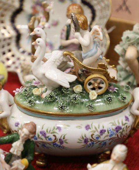 Sammelleidenschaft pur: Antik-, Trödel und Sammlermarkt in der Falkenseer Stadthalle