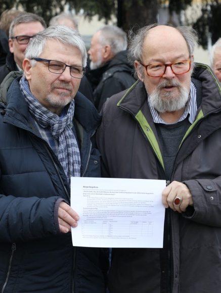 Mehr als 6.000 Falkenseerinnen und Falkenseer Wahlberechtigte haben bisher das Bürgerbegehren zum Bau eines Hallenbads unterschrieben!