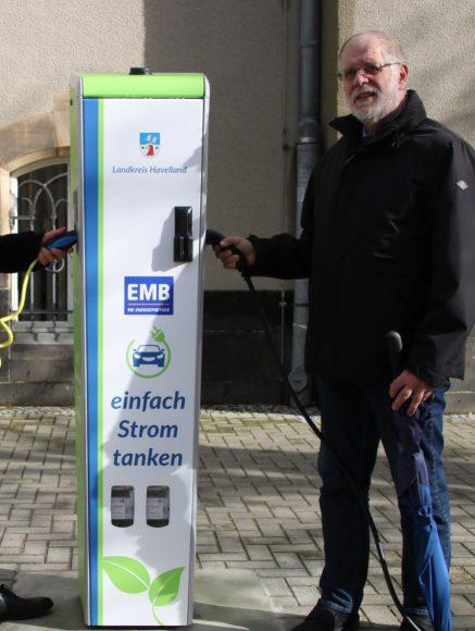 Landkreis Havelland nimmt seine erste öffentliche E-Ladesäule in Betrieb