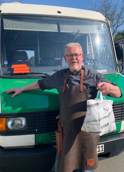 Lieferdienste in Corona-Zeiten: Hexenhaus-Koch Edmund Becker mit vielen Ideen aus dem Foodtruck