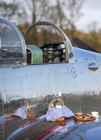 Gastronomie am Oldtimer-Flugplatz Bienenfarm öffnet ab 1. Mai 2020 mit Take-Away-Angebot