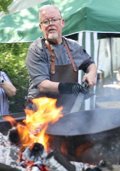 Falkensee: Edmond schlemmt und filmt ab sofort für seinen digitalen Kochkurs!