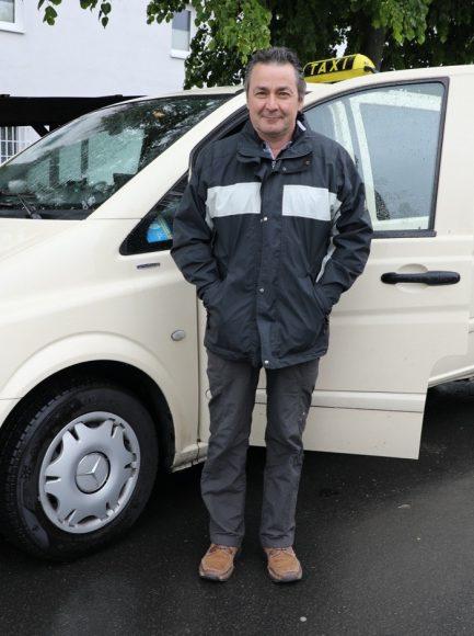 Taxi kommt: Franko Placidi startet neues Taxiunternehmen in Falkensee!