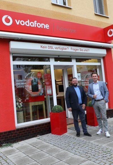 Vodafone rüstet auf in Falkensee: Jetzt kann auch  Waldheim telefonieren und surfen!