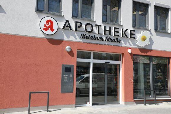 Nauen: Apotheke Ketziner Straße zog ins neue Ärztehaus!