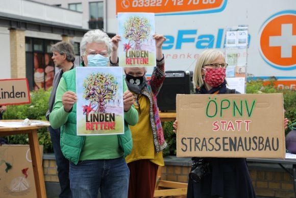 """100 Linden retten: """"Bürgerbündnis 100 Linden"""" demonstriert für Baumerhalt!"""