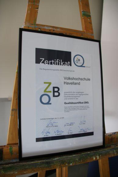 """Volkshochschule Havelland bekommt Qualitätssiegel """"ZBQ"""""""